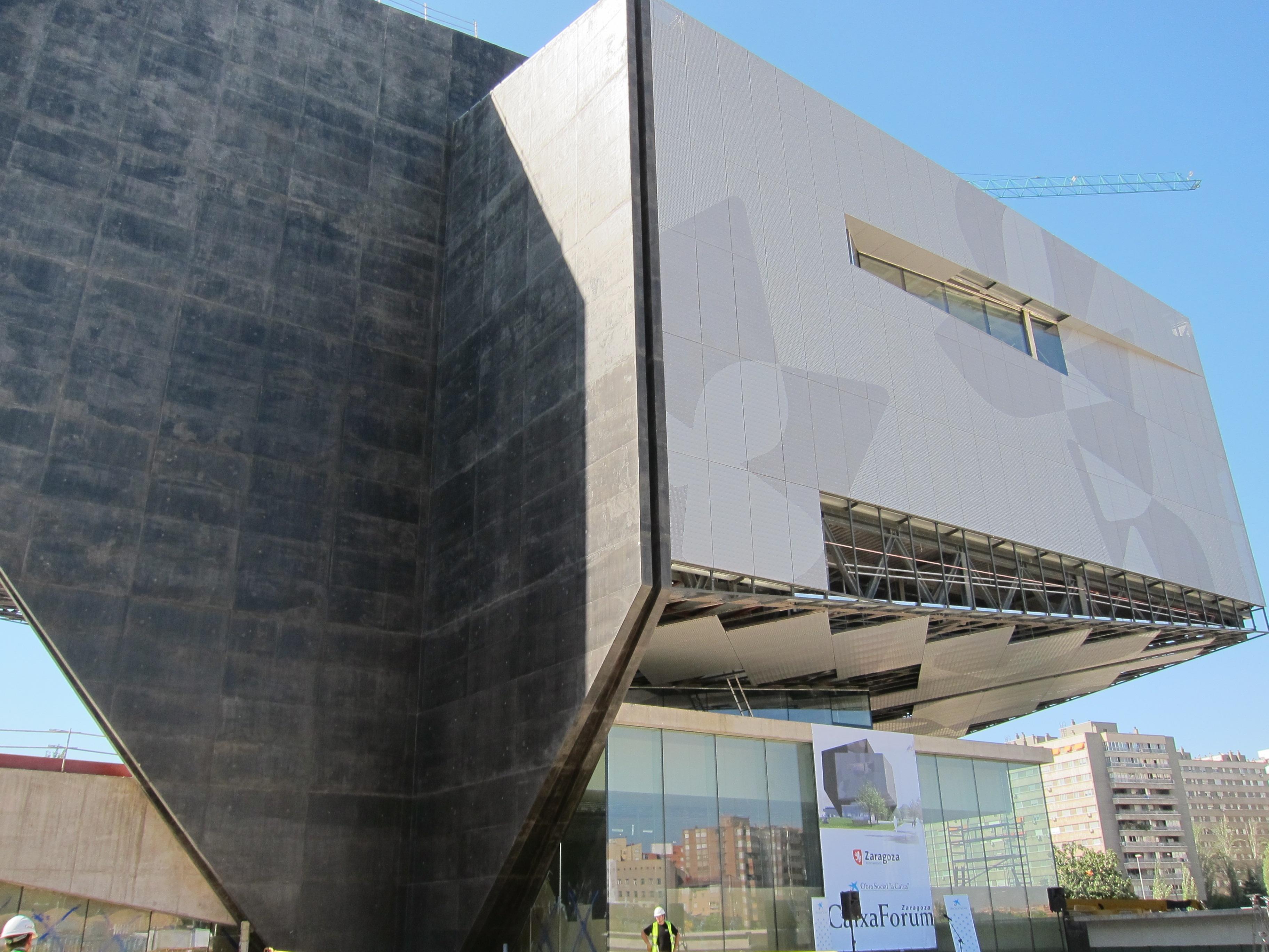 Belloch anuncia que el CaixaForum se inaugurará en torno al 15 de abril