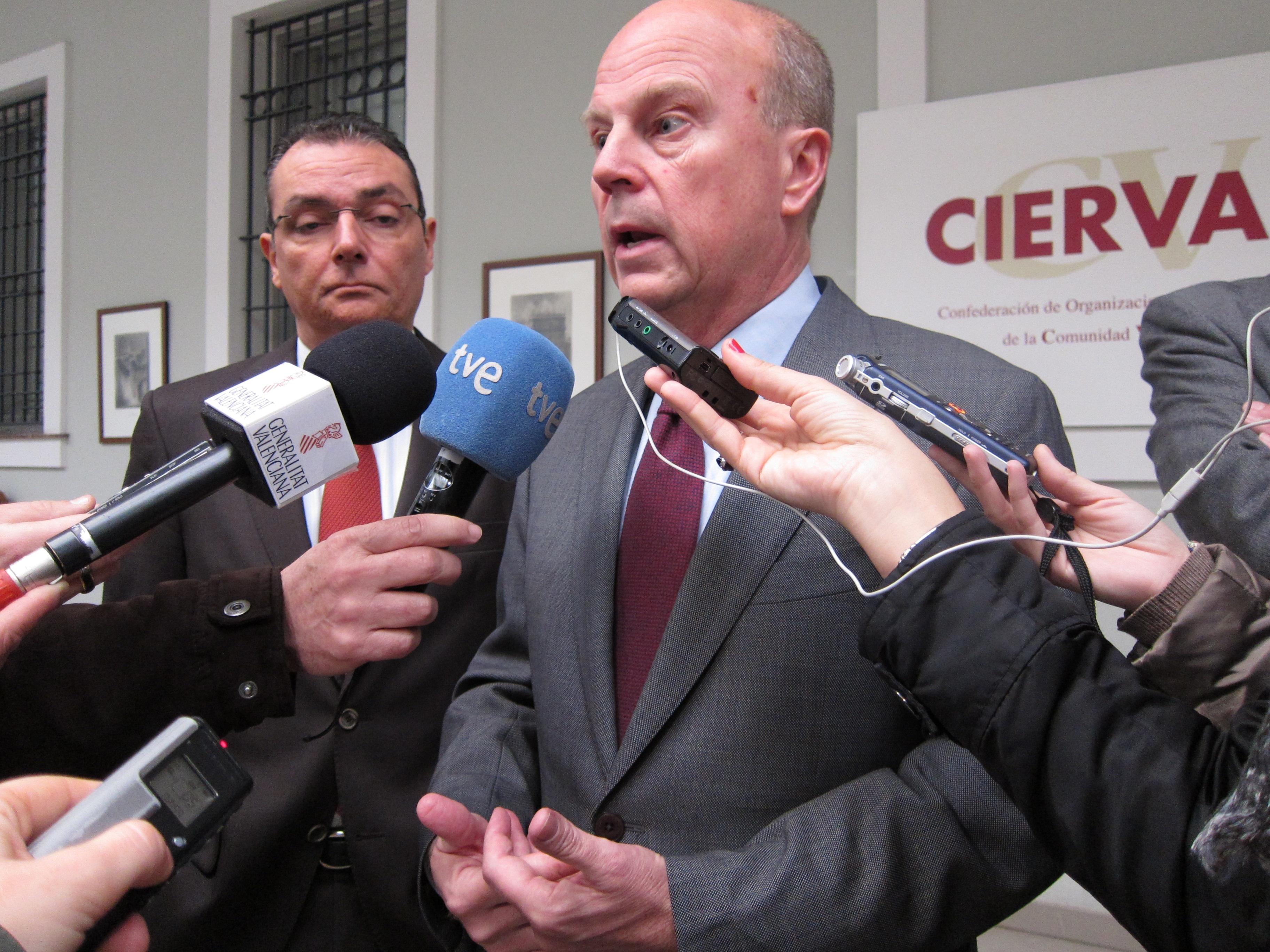 Buch y Navarro urgen a «exterminar» la competencia desleal y denunciar para «atajar el fraude fiscal, laboral y social»