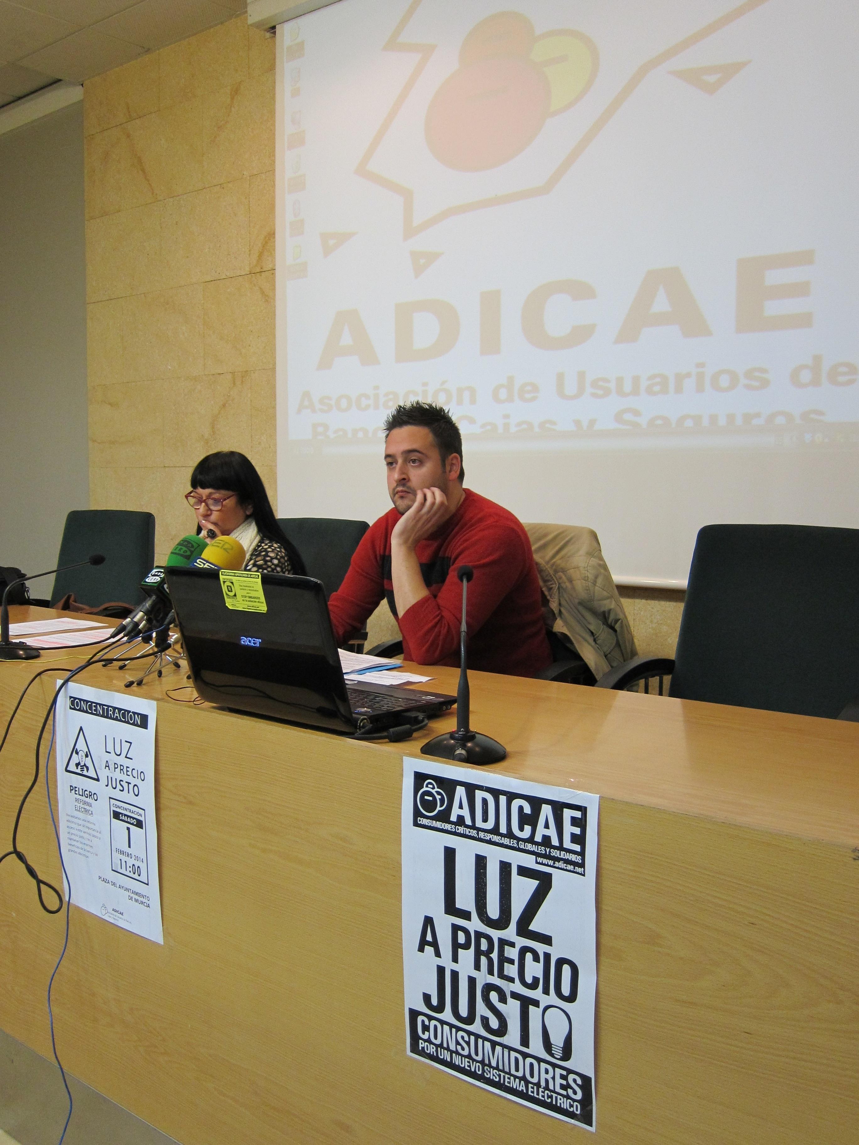 CCOO y Adicae convocan una concentración contra el aumento de la luz, que en Murcia aumenta un 31% en últimos 4 años