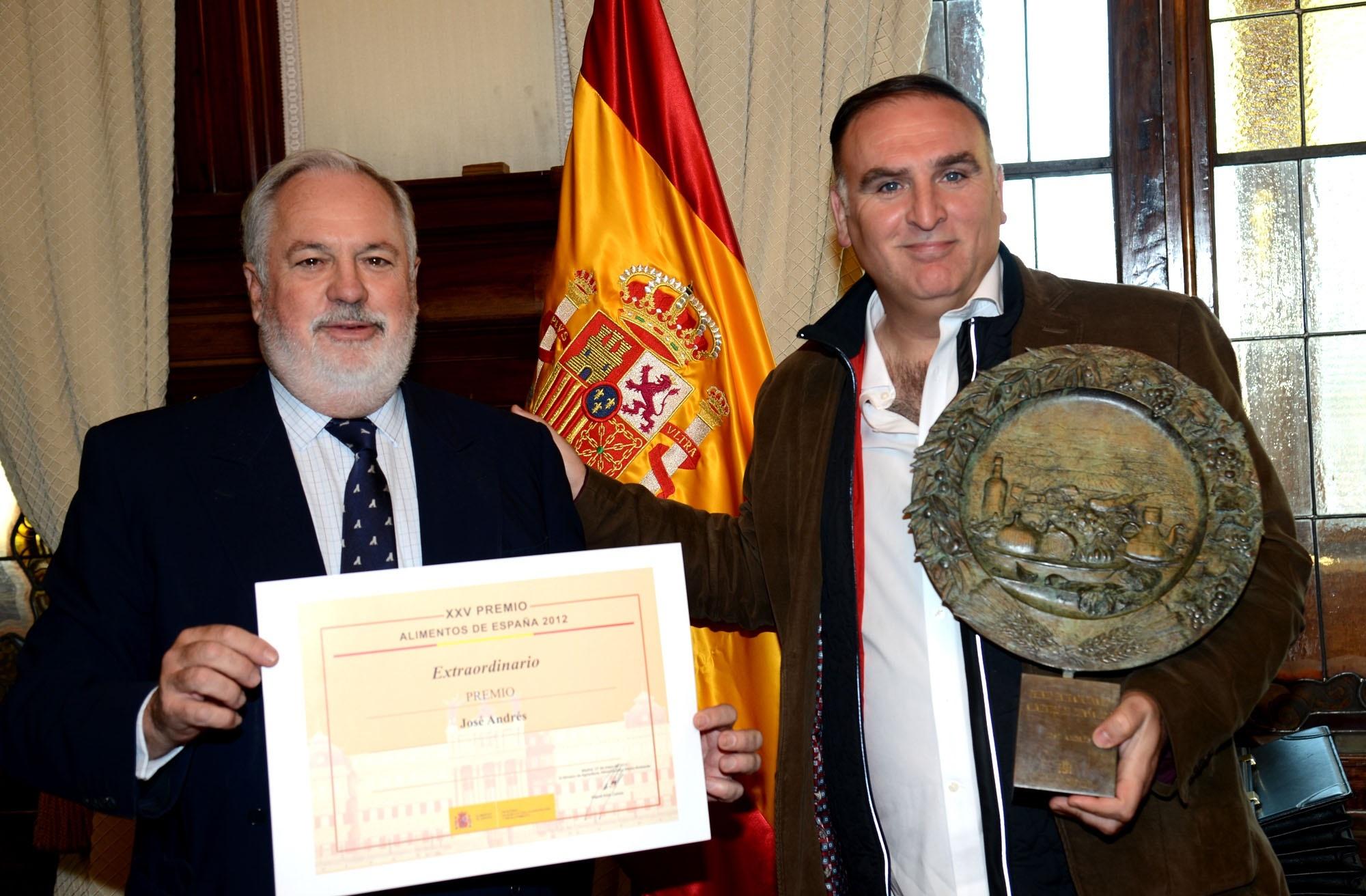 Arias Cañete entrega al chef José Andrés el Premio Extraordinario Alimentos de España 2012