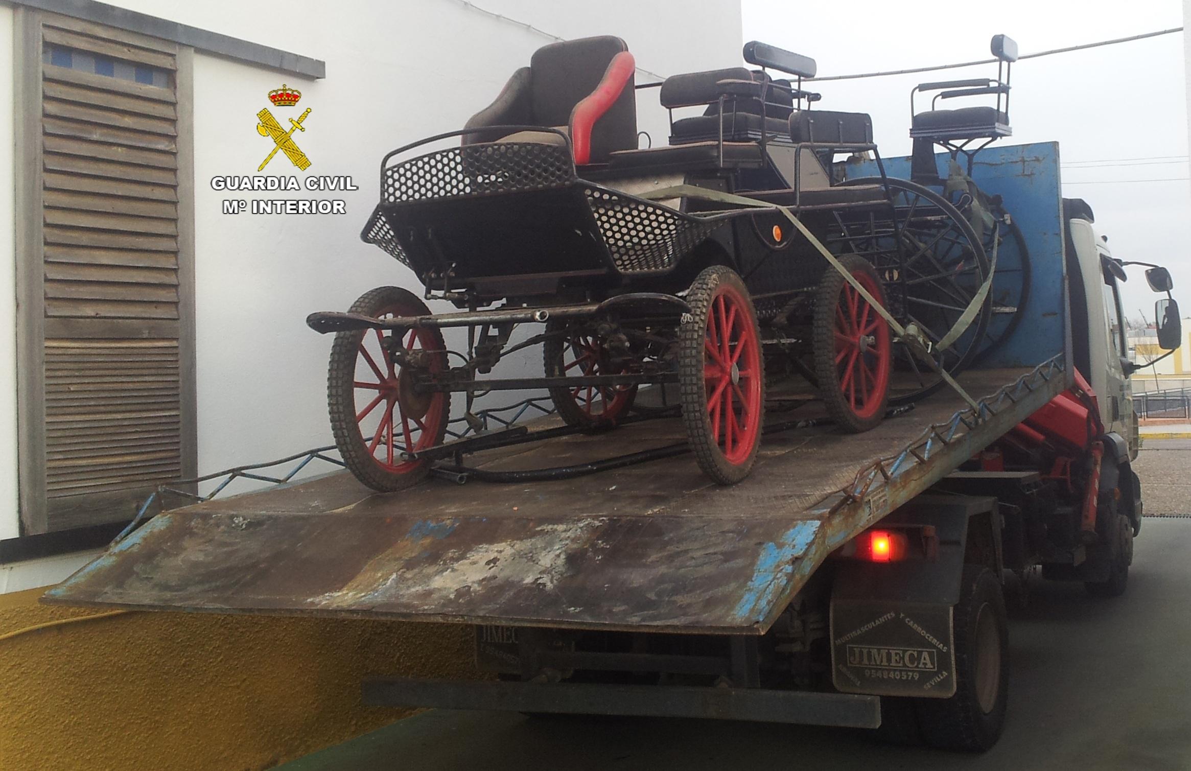 Detenida por el robo de dos carruajes valorados en 11.500 euros de una finca de Carmona