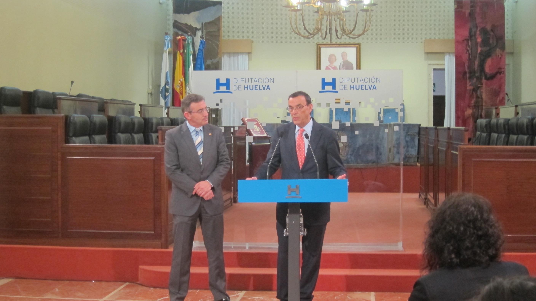 La Diputación impulsa el programa »Matrícula» y las cátedras de Juan Ramón Jiménez y del vino