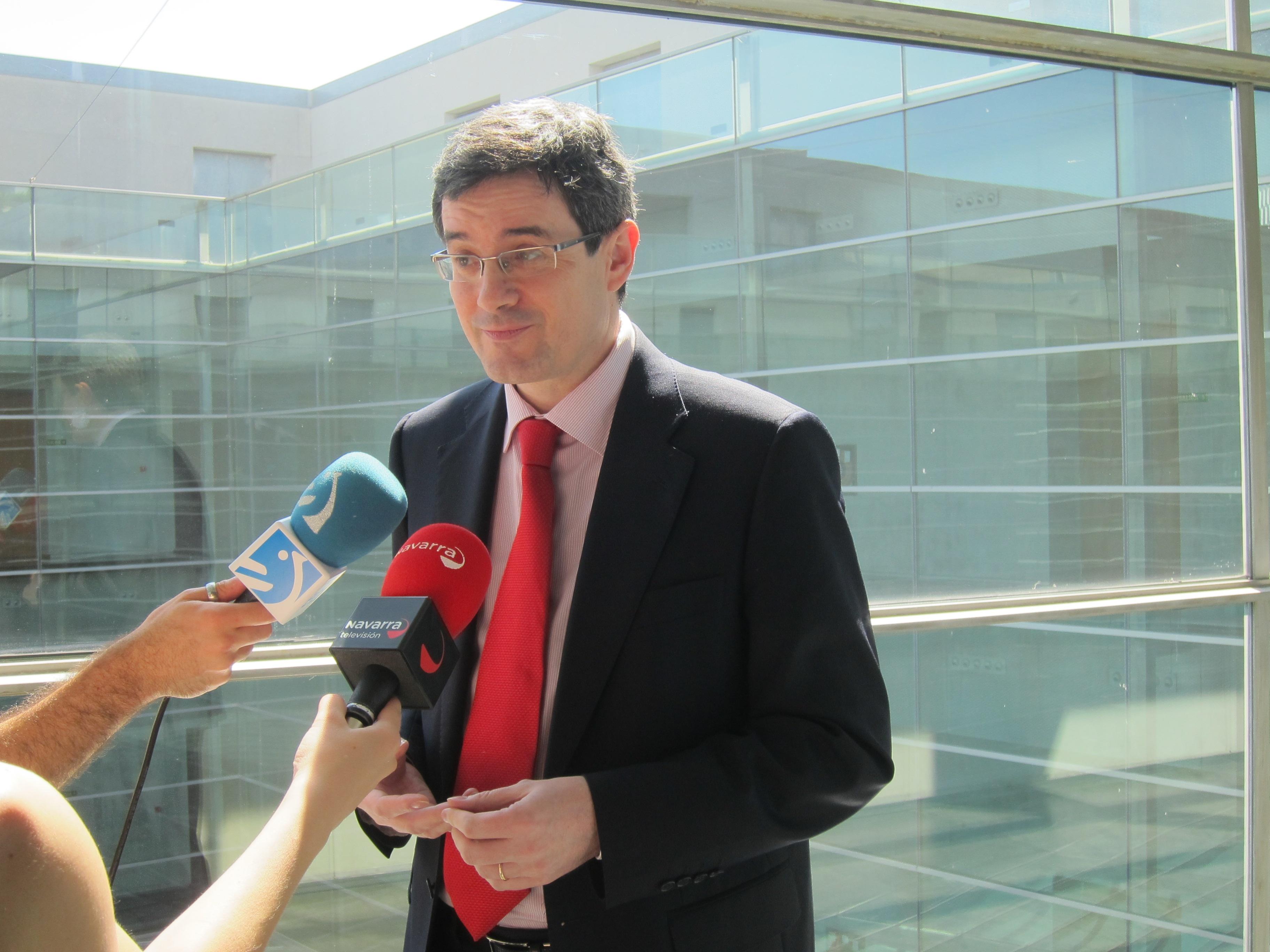 Iribas dice que Navarra aplicará la LOMCE, pero «adaptándola al proyecto educativo» de la Comunidad foral