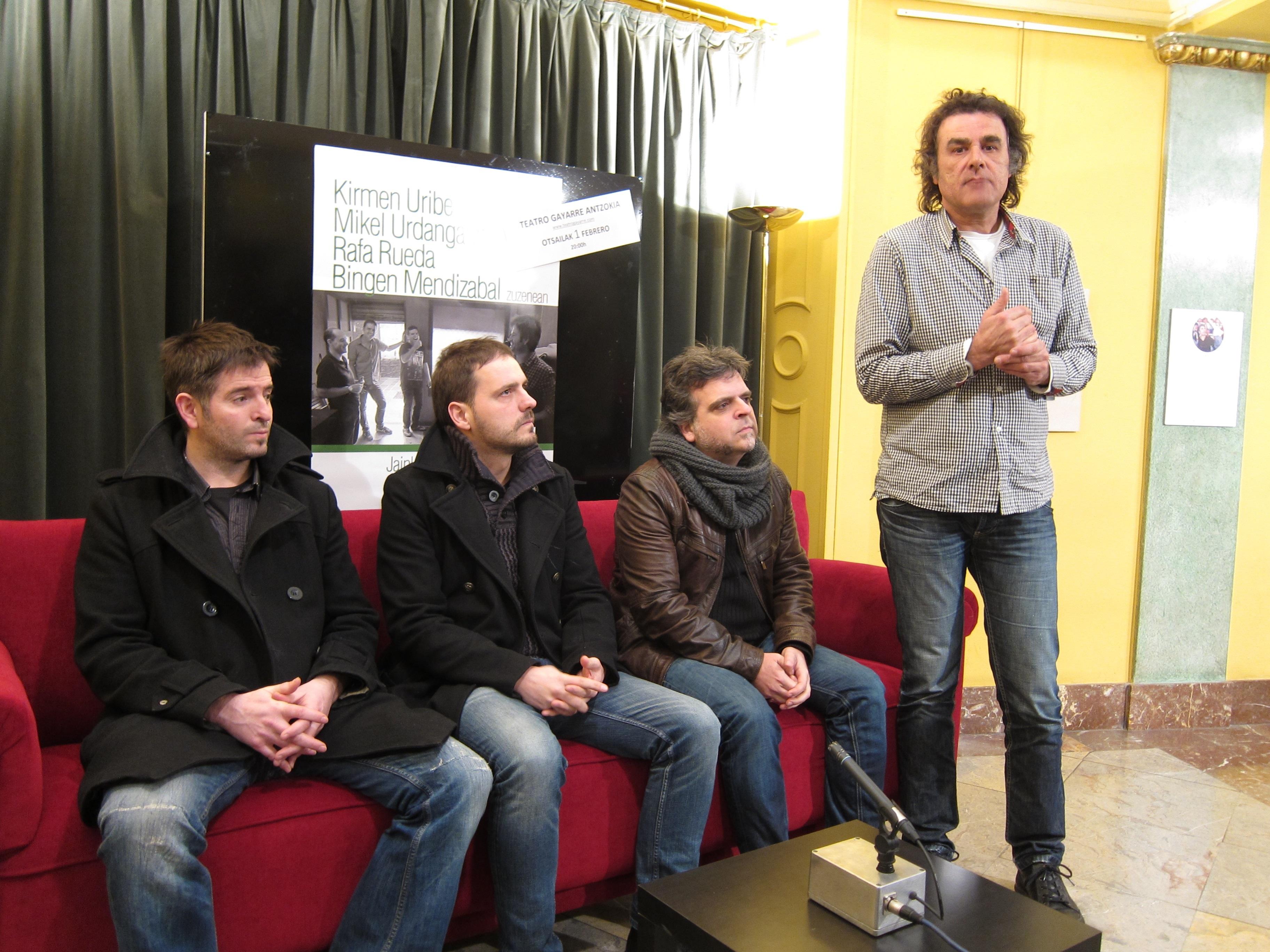 Kirmen Uribe y su letra «vitalista» protagonizan el sábado un concierto en el Teatro Gayarre de Pamplona