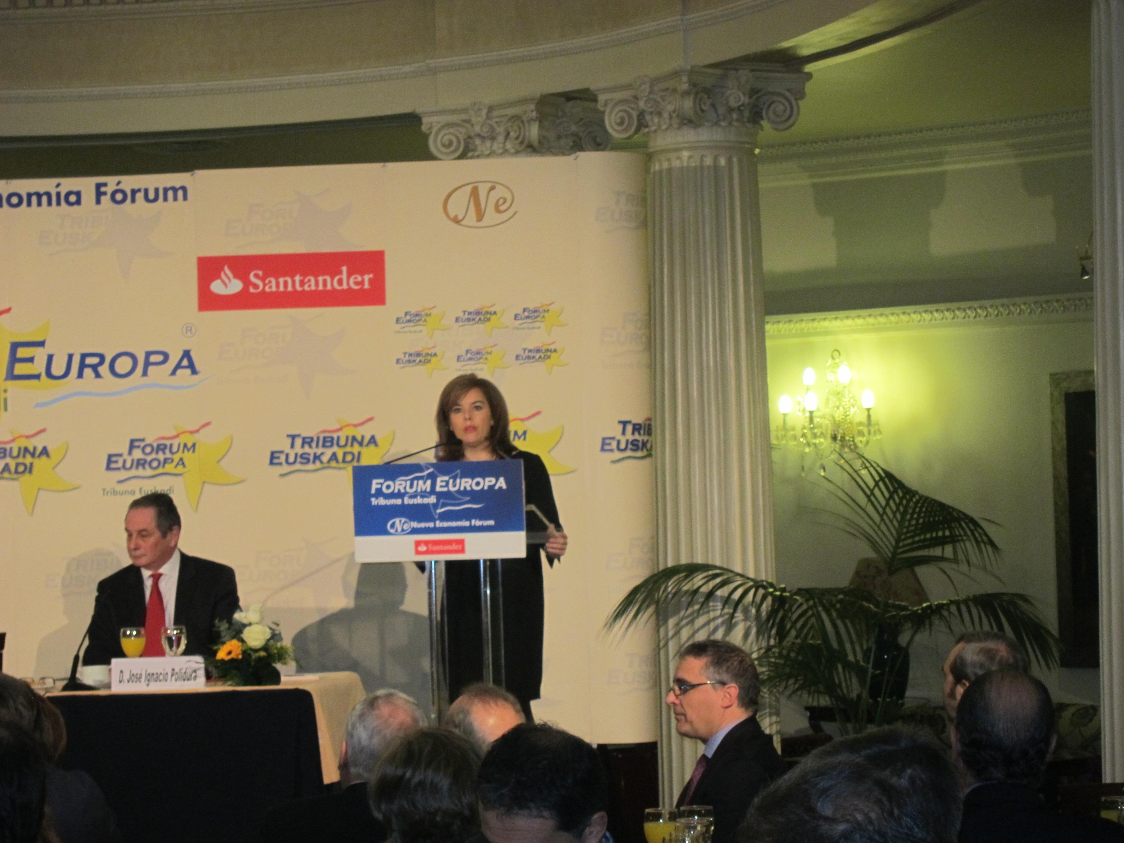 Santamaría advierte a ETA de que «solo le queda una salida: la disolución sin condiciones ni concesiones»