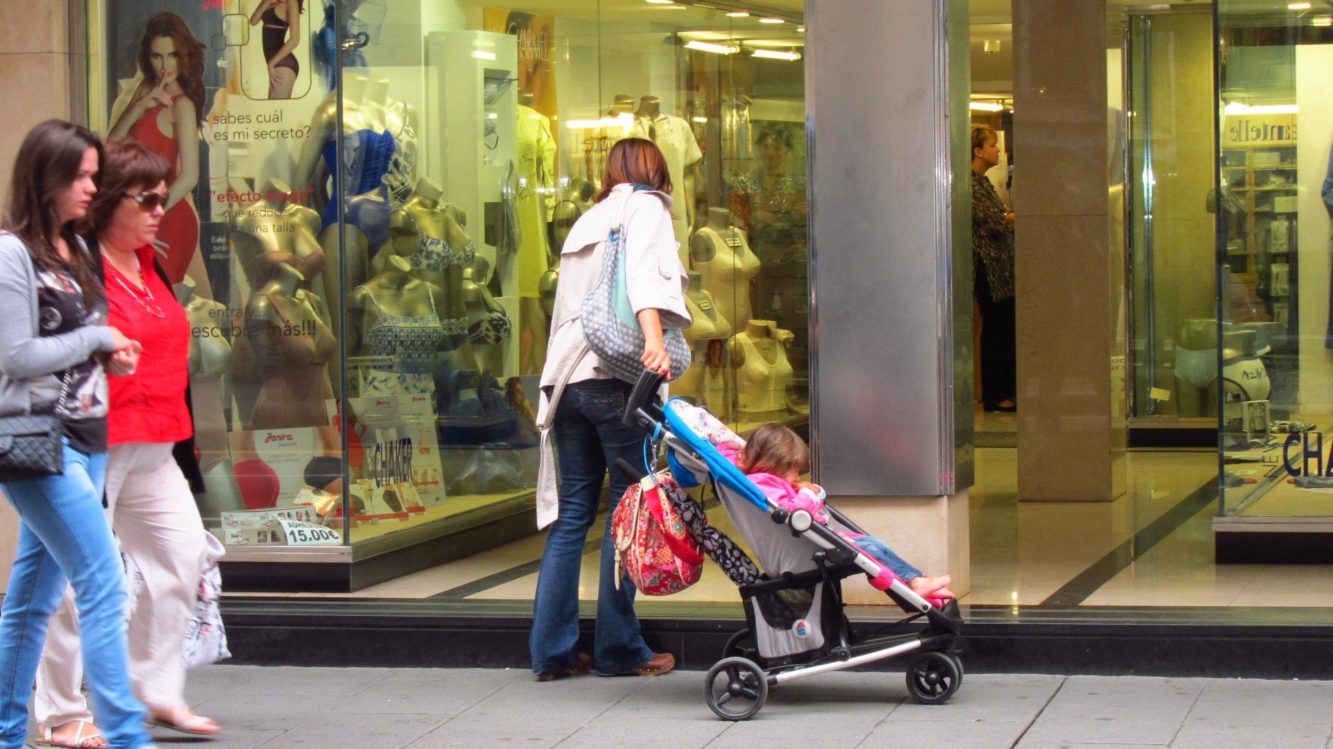 La Seguridad Social destinó 317,3 millones a prestaciones de maternidad y 38,4 millones a las de paternidad