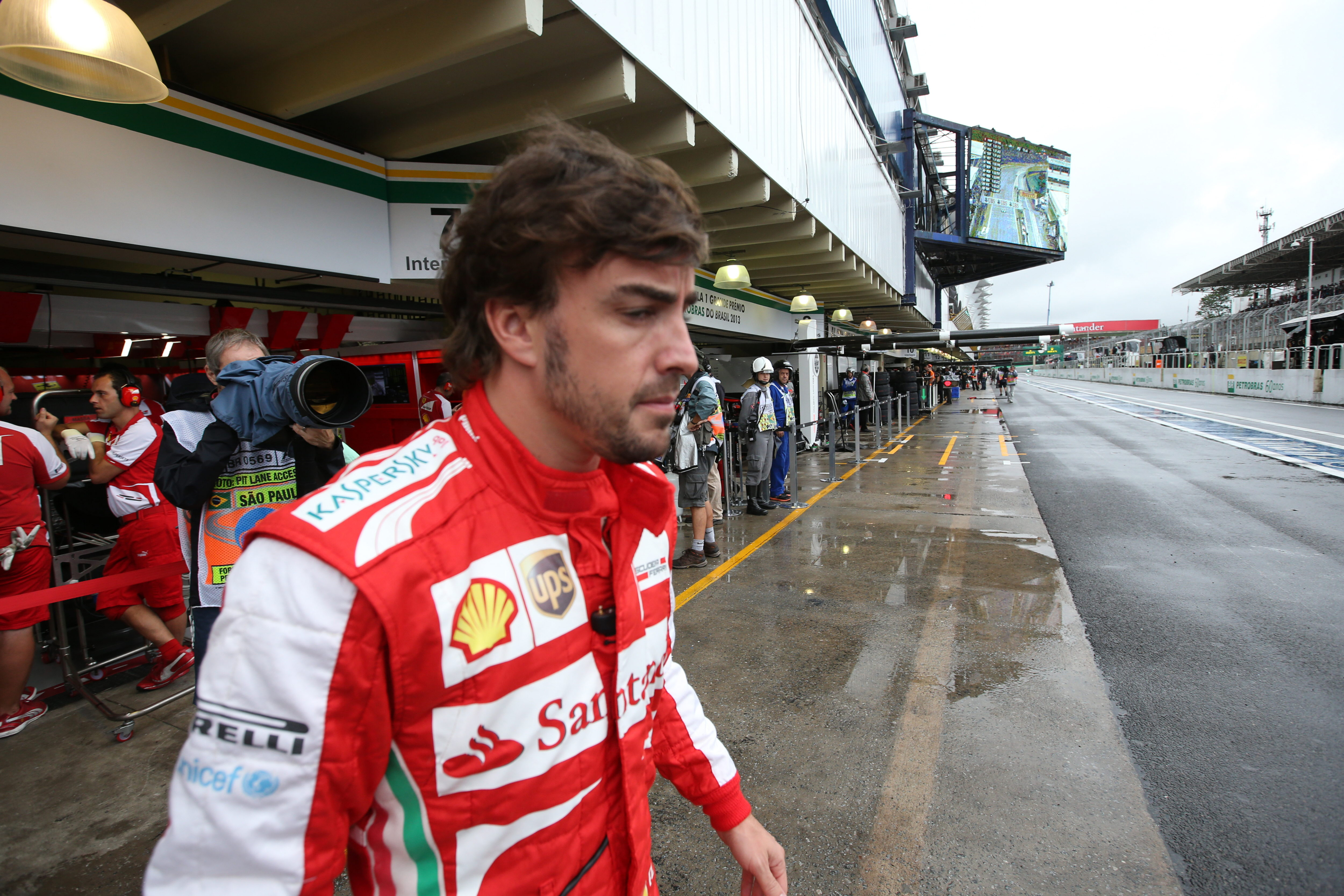 Alonso finaliza quinto los primeros test en Jerez a pesar del susto matinal