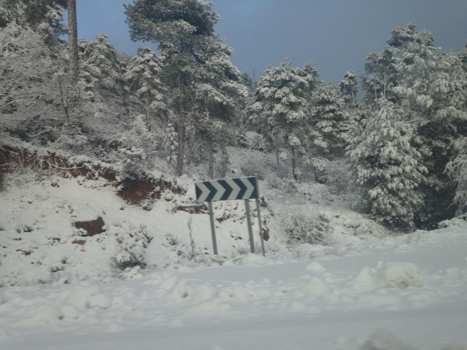 La nieve deja sin clase a 93 alumnos de 10 centros educativos de las provincias de Lugo y Ourense