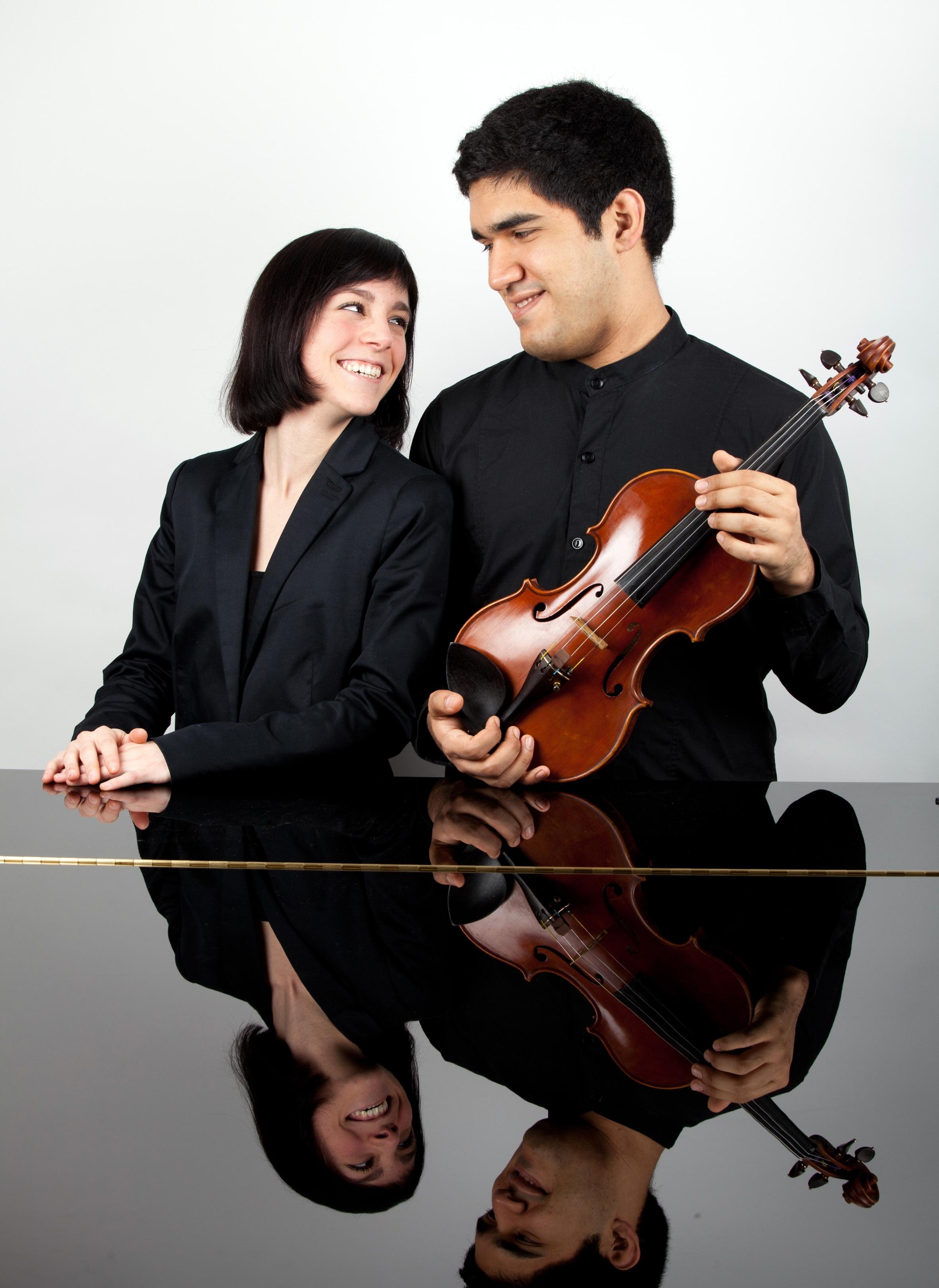 Un dúo de piano y violín ofrecerá este viernes en Pamplona un concierto del ciclo de jóvenes talentos musicales