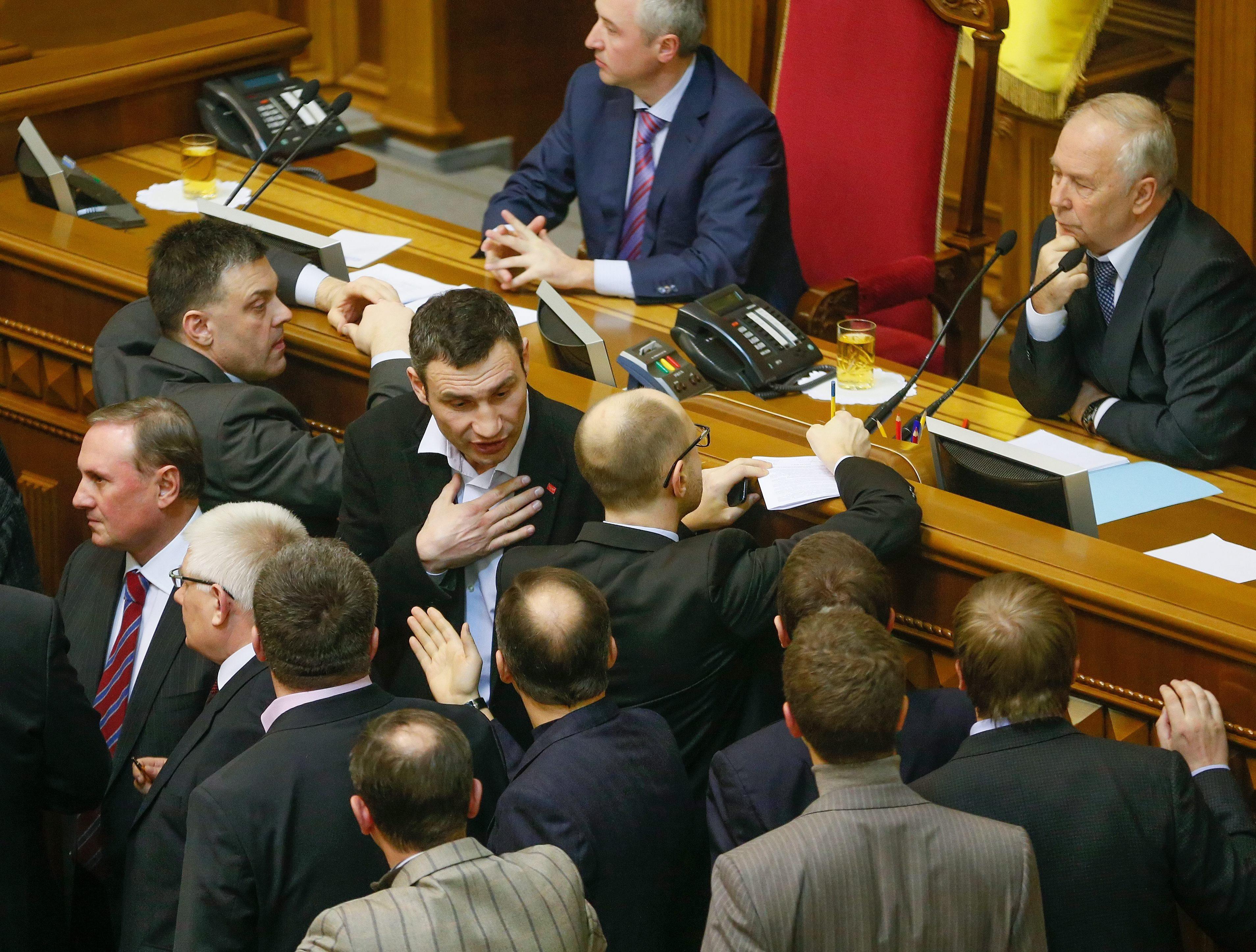 El líder opositor ucraniano dice que los edificios administrativos seguirán ocupados