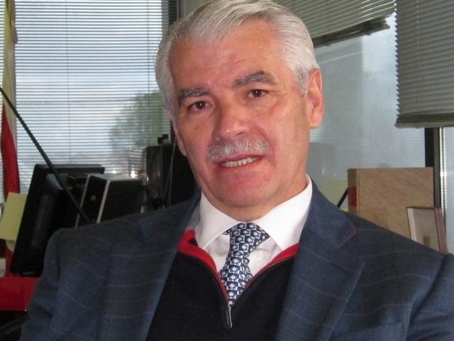 El presidente de Cantabria pide al PP que expulse al expresidente del Racing