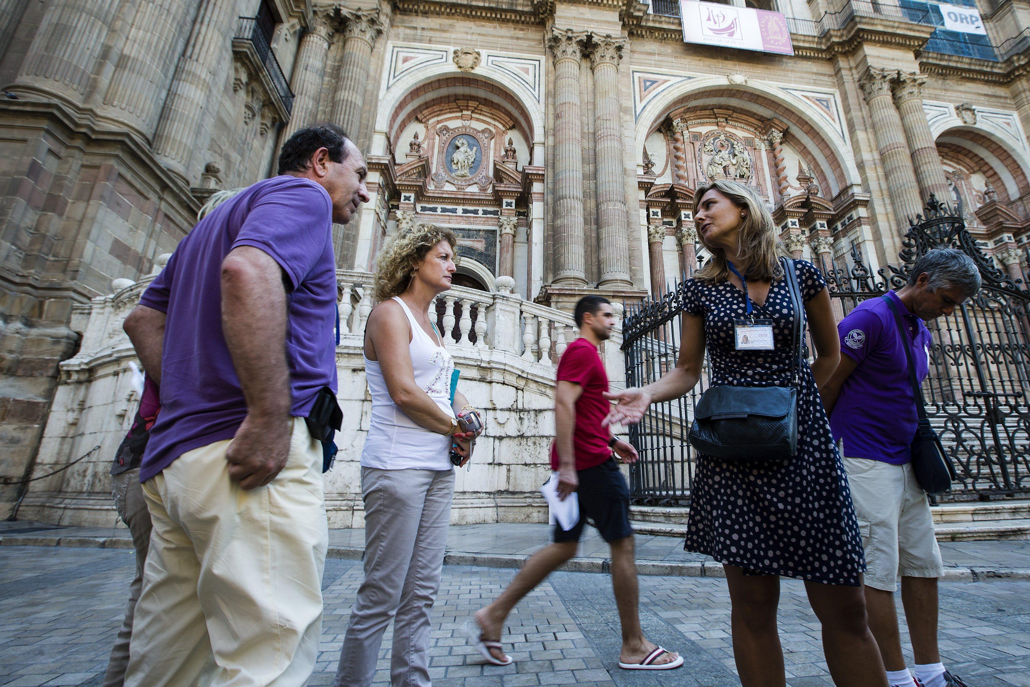 Denuncian el robo de siete piezas de orfebrería en la Catedral de Málaga