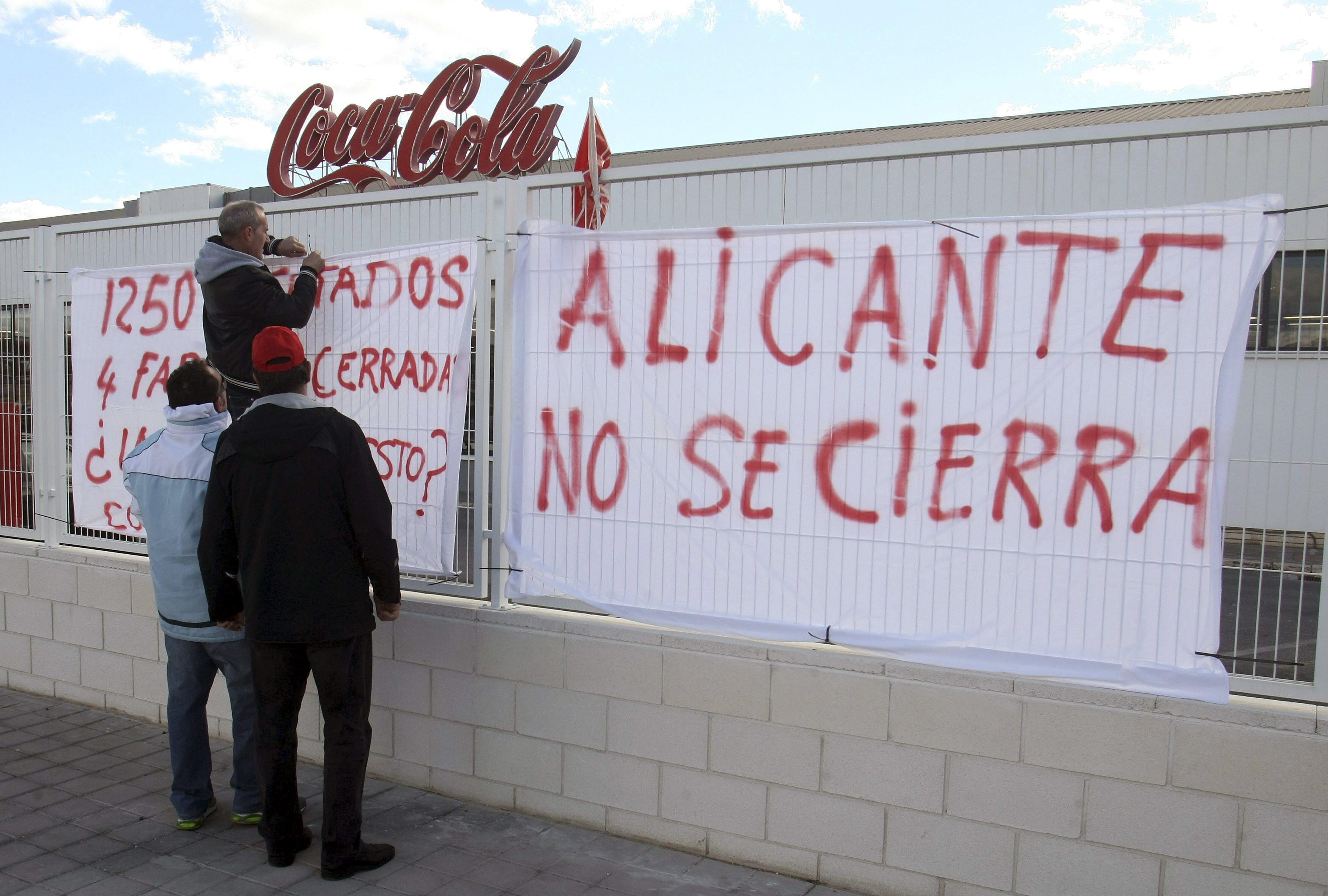 El Gobierno regional habla con Coca-Cola y el comité para salvar empleos