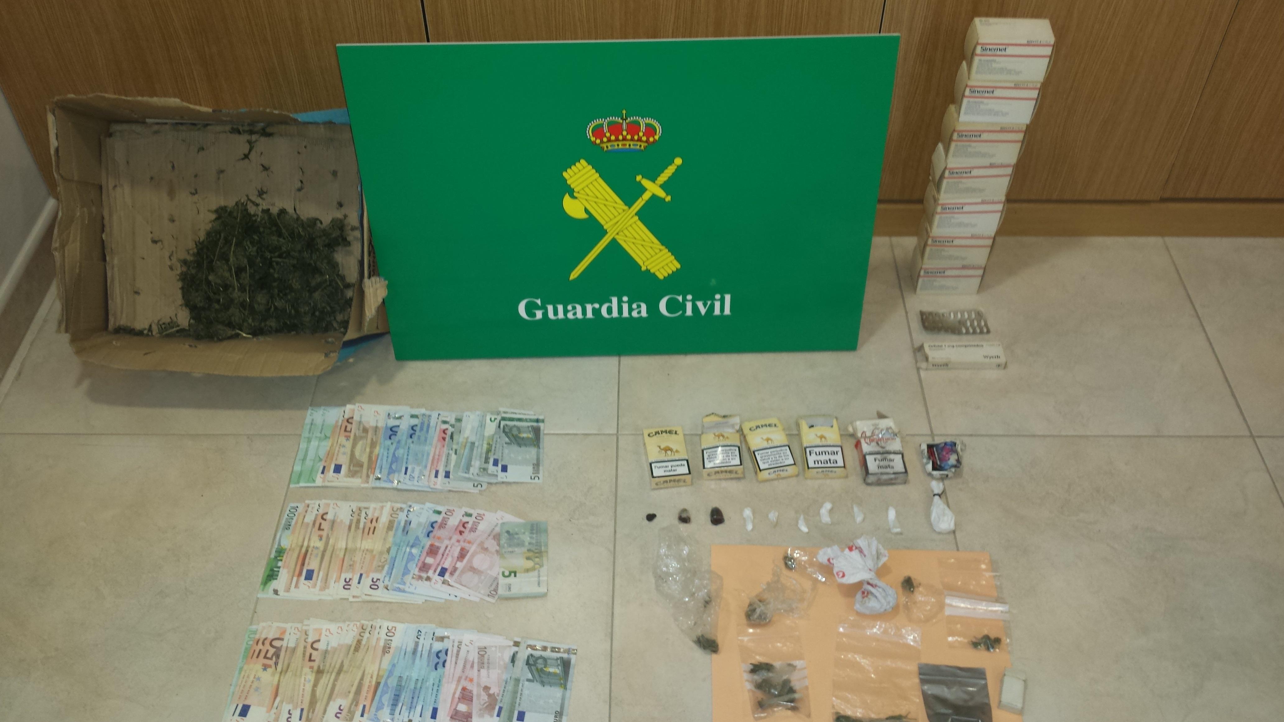 La Guardia Civil desarticula un punto de venta de droga en las inmediaciones de Ourense y detiene a una persona