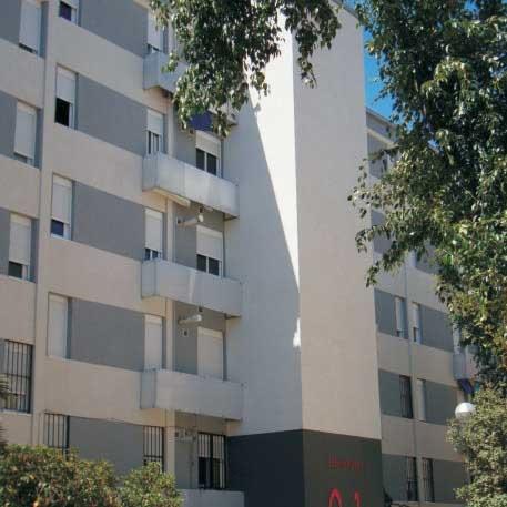 PP-A pide a la Junta una línea de ayudas a comunidades de propietarios que no puedan asumir la instalación de ascensores