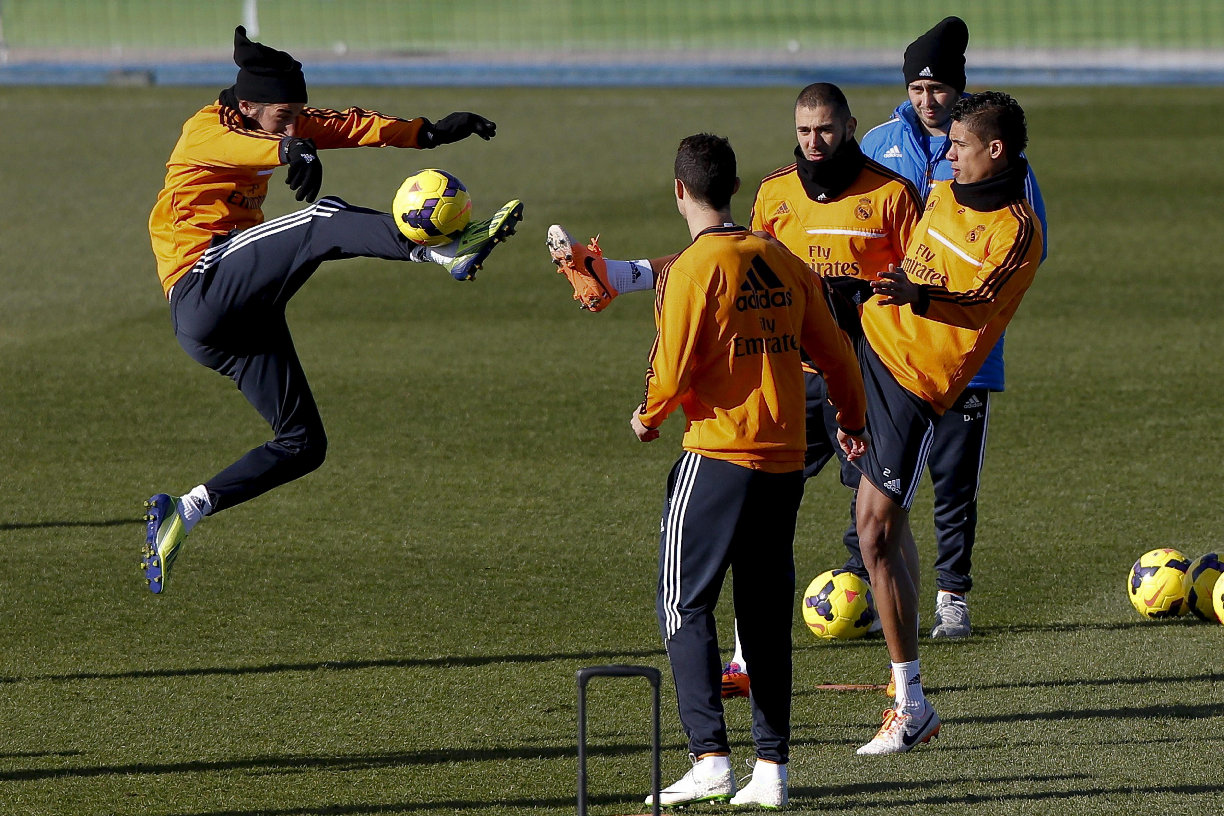 Varane regresa a una convocatoria de la que vuelve a ausentarse Bale