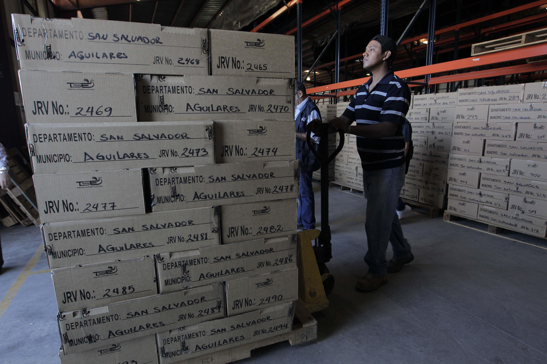 Abren los centros de votación para los comicios presidenciales en El Salvador