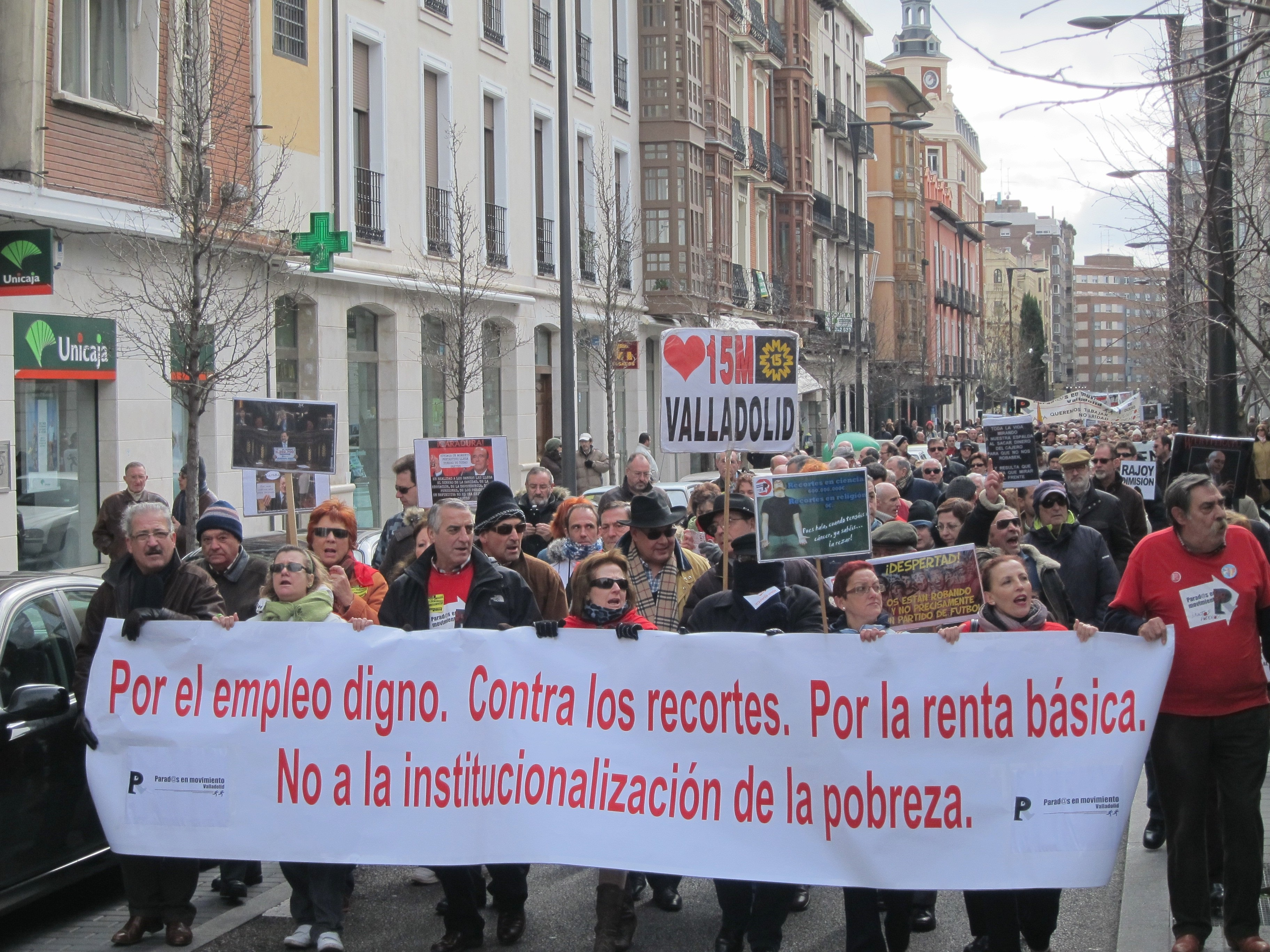 Cerca de 5.000 personas arropan a »Parados en Movimiento» en su protesta en Valladolid por el «empleo digno»