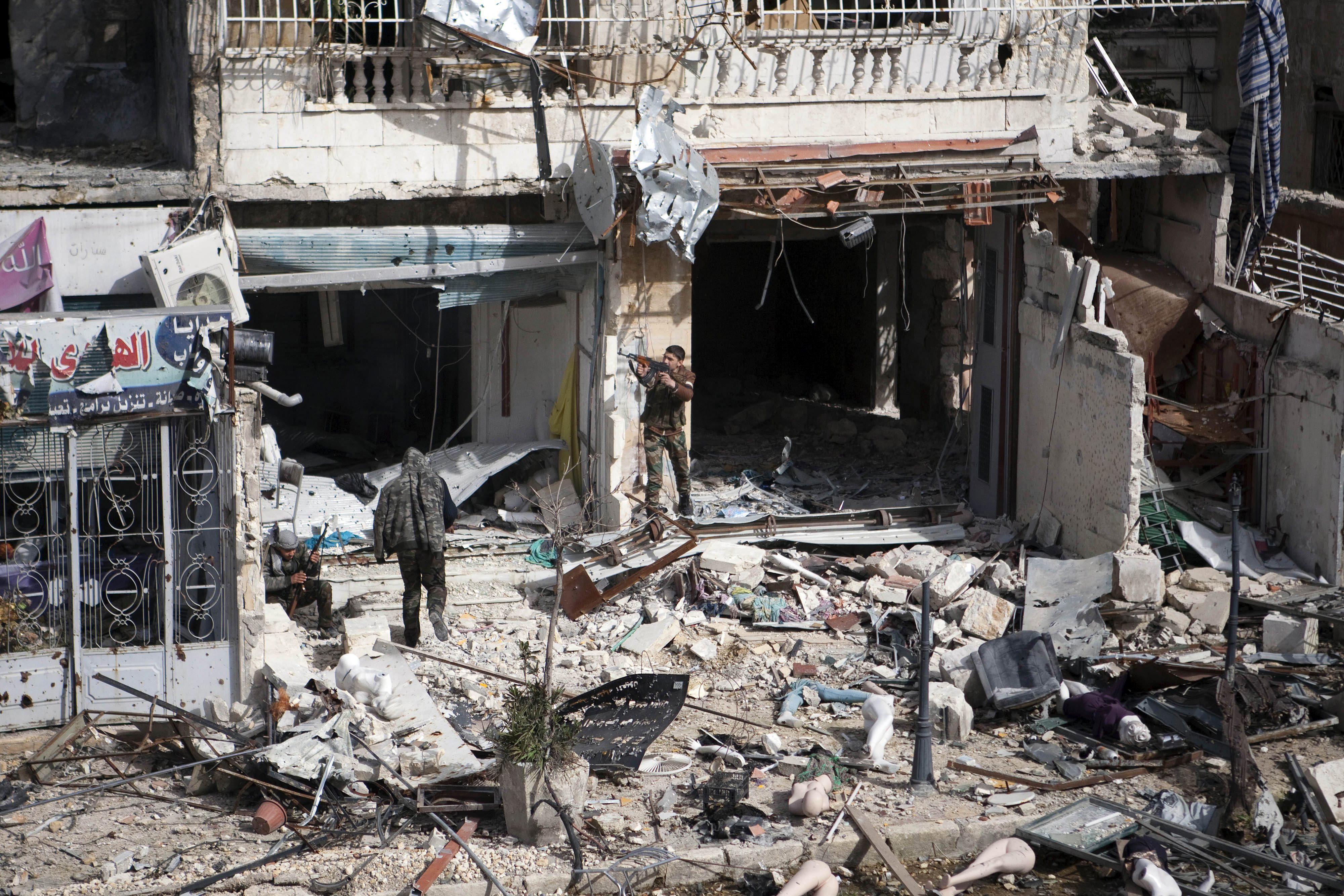 85 Muertos por bombardeos del régimen con barriles con explosivos en Alepo