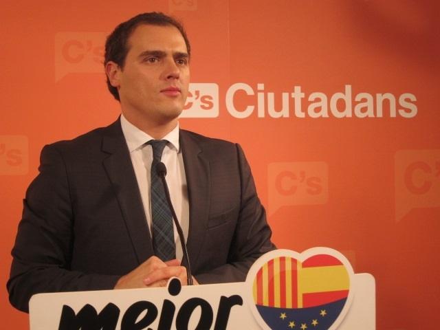 Rivera (C»s) pide equilibrar castellano, catalán e inglés en la escuela sin hacer «un drama»