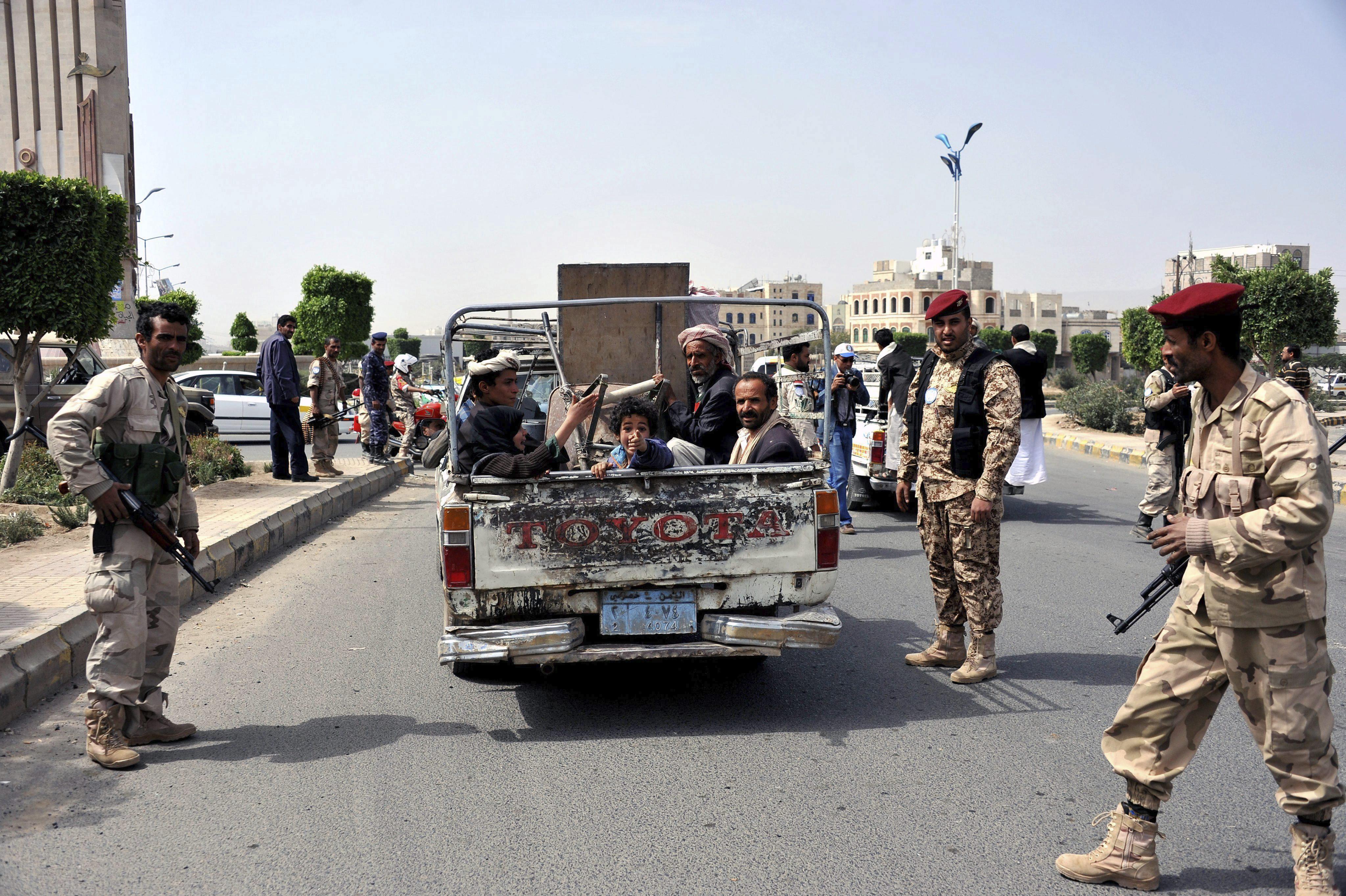 Los rebeldes chiíes capturan un feudo de un clan suní rival en el norte de Yemen