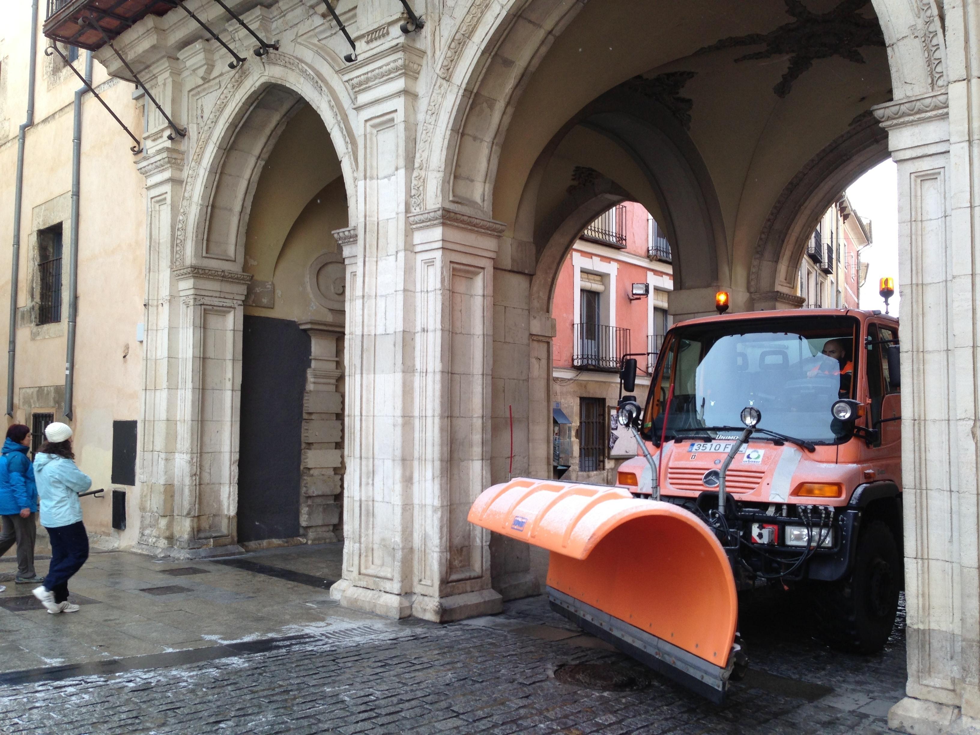 El Ayuntamiento de Cuenca activa el PEMUVI ante la previsión de nevadas durante la jornada de este lunes