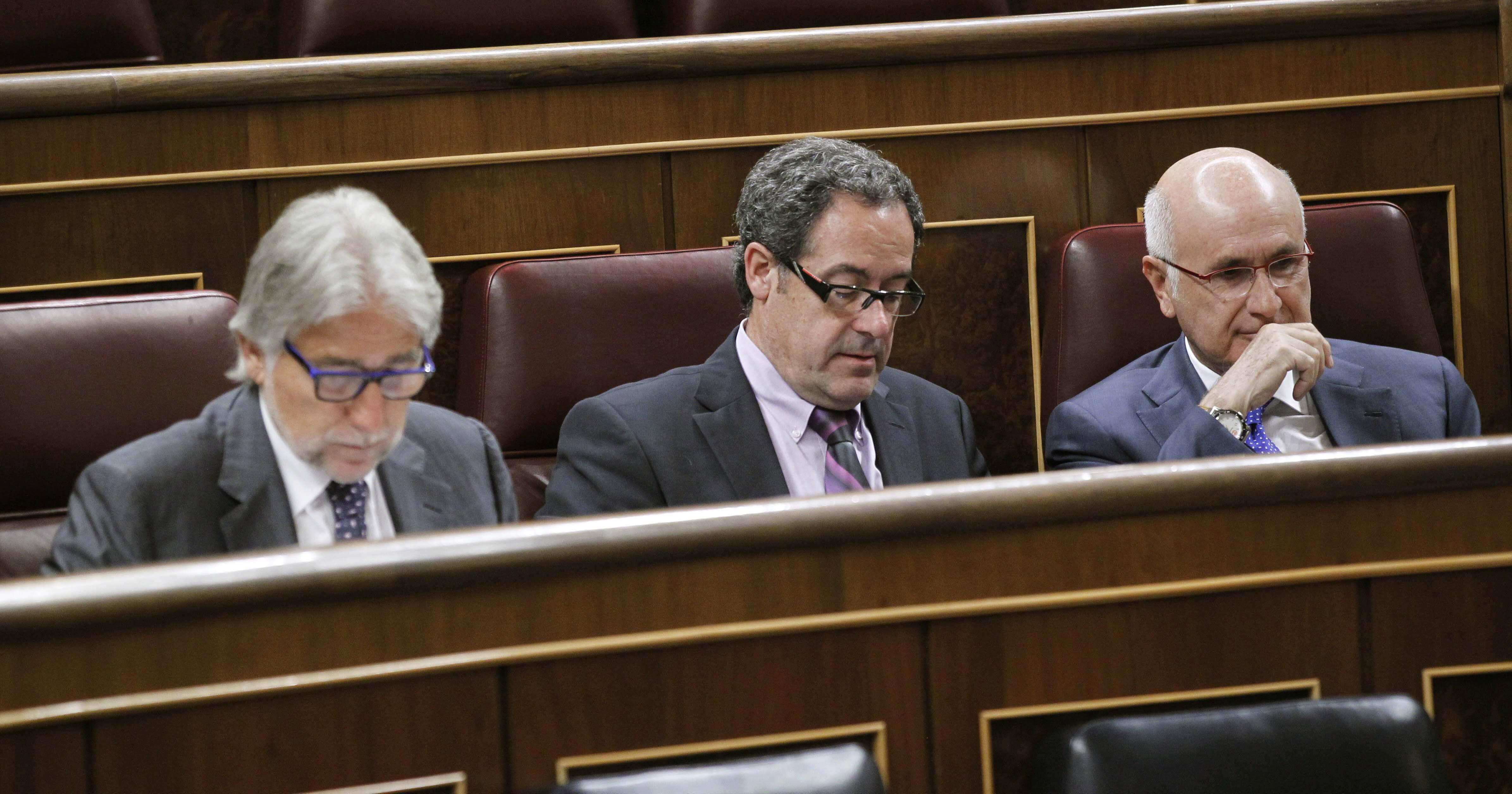 CiU, ICV y ERC registran en el Congreso su propuesta de consulta soberanista