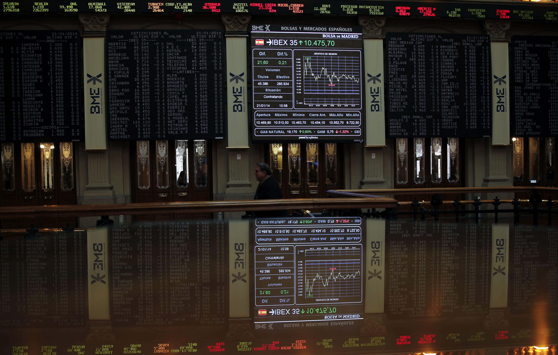 La bolsa española comienza la semana en rojo y el IBEX cede el 0,19 por ciento