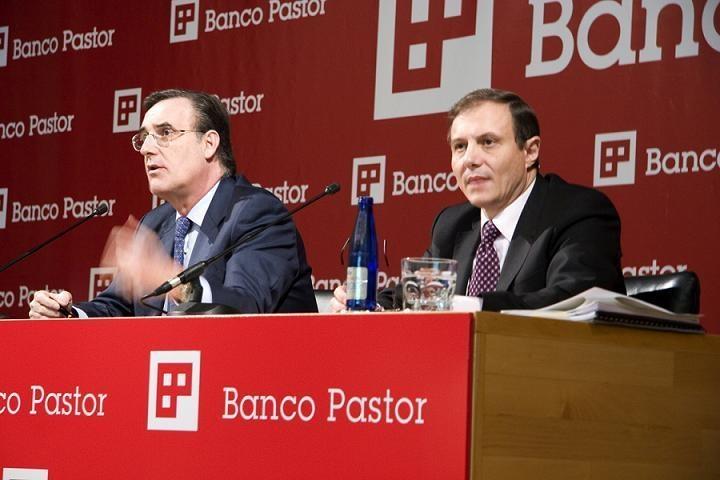 (AMP.) Imputados el expresidente y el exconsejero delegado del Banco Pastor a raíz de la querella de un accionista