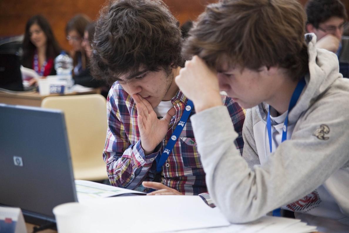 Cerca de 3.000 alumnos de toda España compiten en la semifinal de la tercera edición de »Young Business Talents»