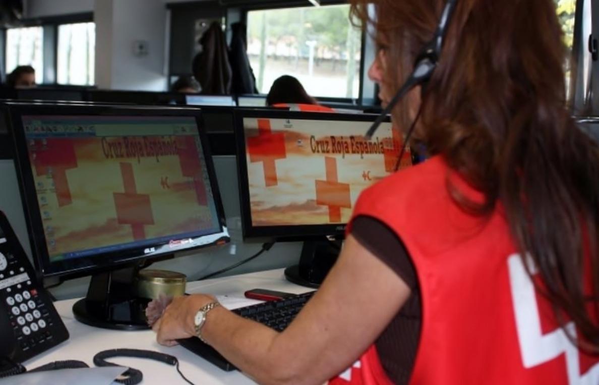Cruz Roja Navarra contará con un servicio multicanal de atención al cuidador no profesional