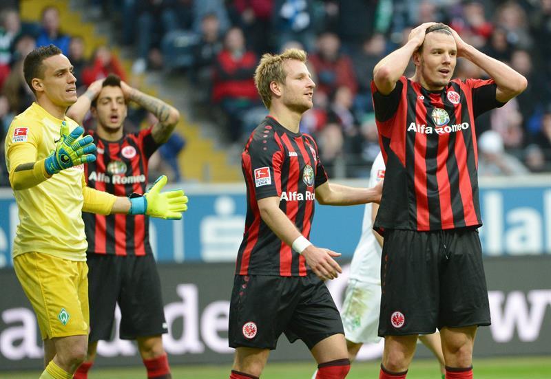 El Eintracht de Frankfurt de Joselu se apunta un empate inútil ante el Werder Bremen