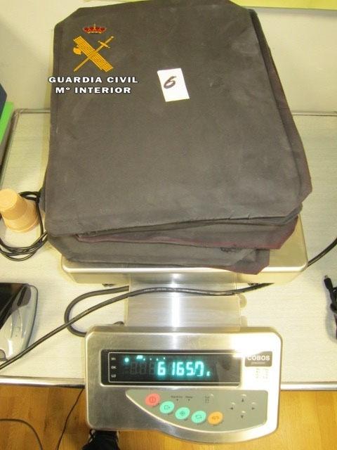 La Guardia Civil detiene en el aeropuerto de Málaga a un pasajero con seis kilos de cocaína en el equipaje