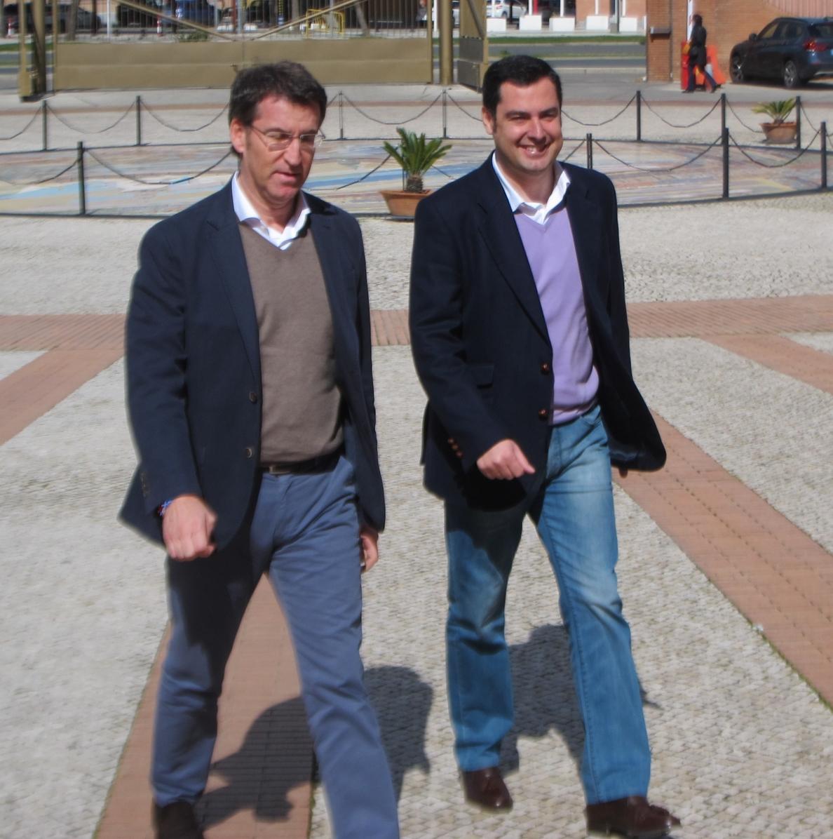 Moreno, que quiere en Andalucía un modelo de gestión como el gallego, pide a los jóvenes que se «rebelen» ante el paro
