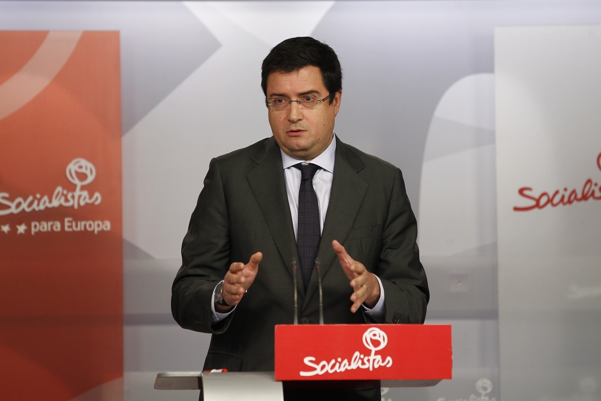 El PSOE dice que la cifra «que «resume» el estado del país es la del millón de personas menos que trabajan