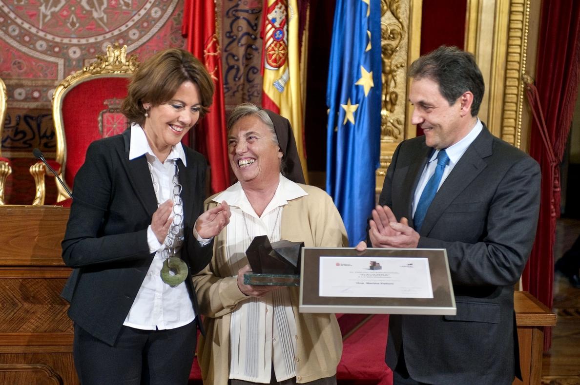 La religiosa Martha Pelloni, «emocionada» al recibir el Premio Internacional Navarra a la Solidaridad 2013