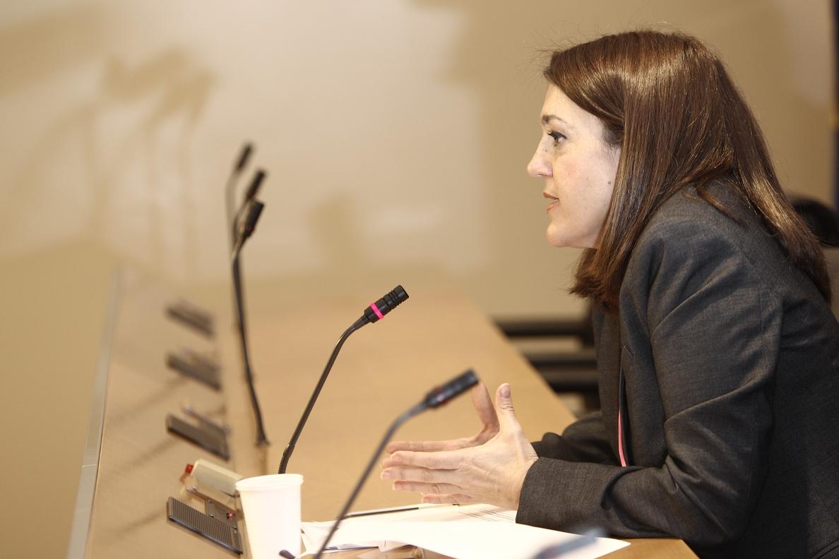 Soraya Rodríguez subraya que lo único que valorará el PSOE es la «entrega total» de las armas