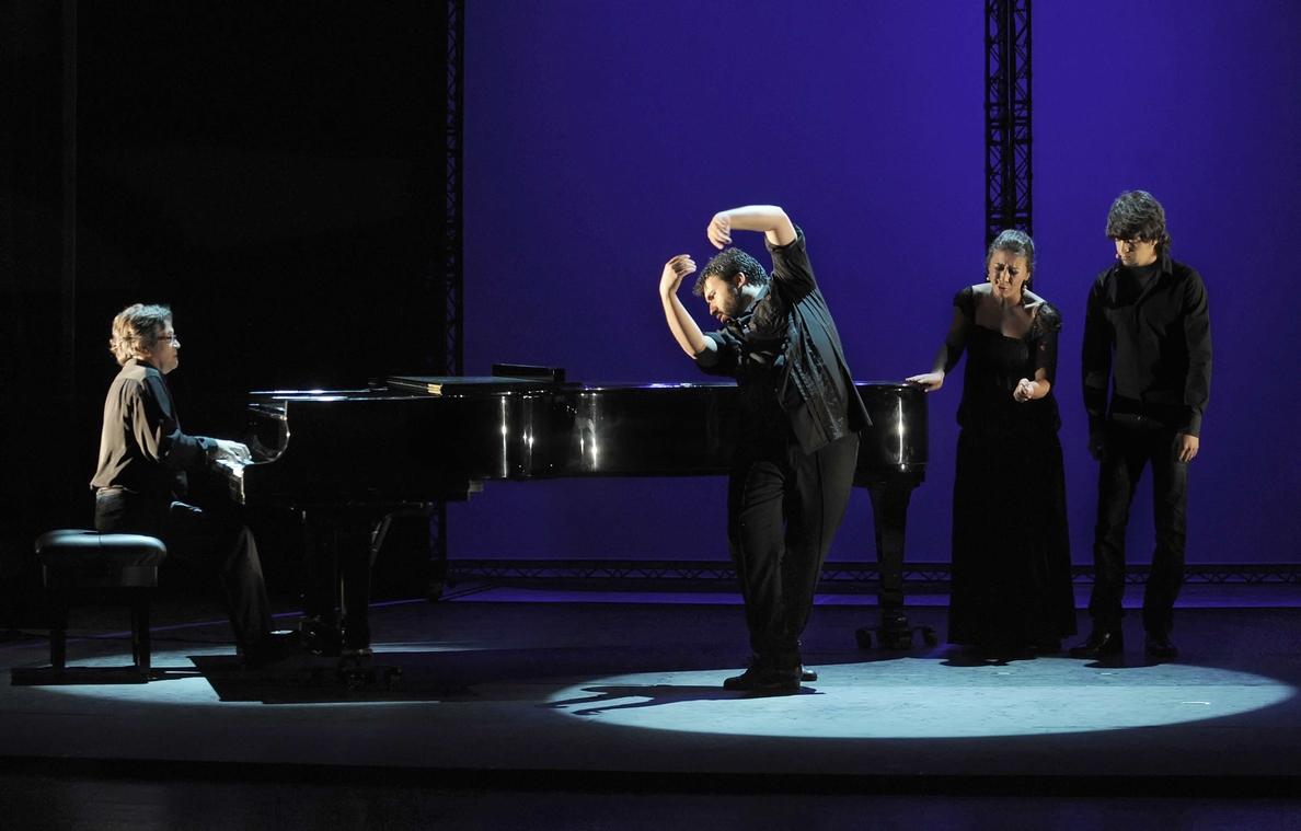 El Teatro Maestranza presenta este martes »Flamenco hoy», espectáculo del cineasta Carlos Saura