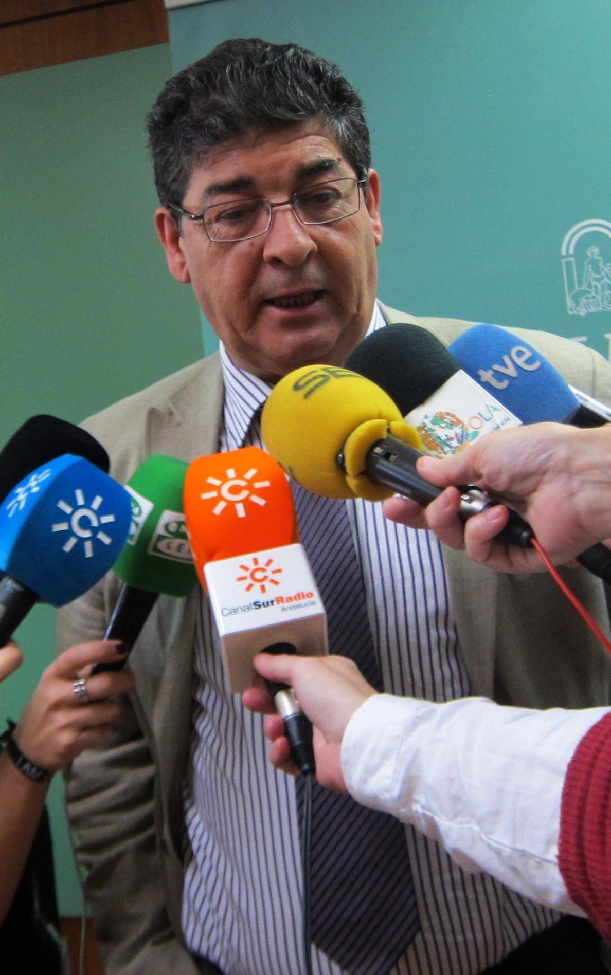 Valderas dice que no va «a contar» las personas que participen en los actos de PSOE-A e IULV-CA para reivindicar el 28-F