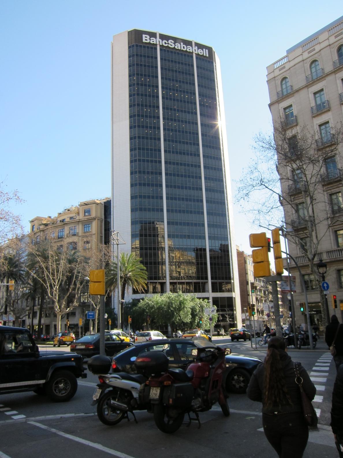 El consejo del Sabadell ganó 7,48 millones de euros en 2013