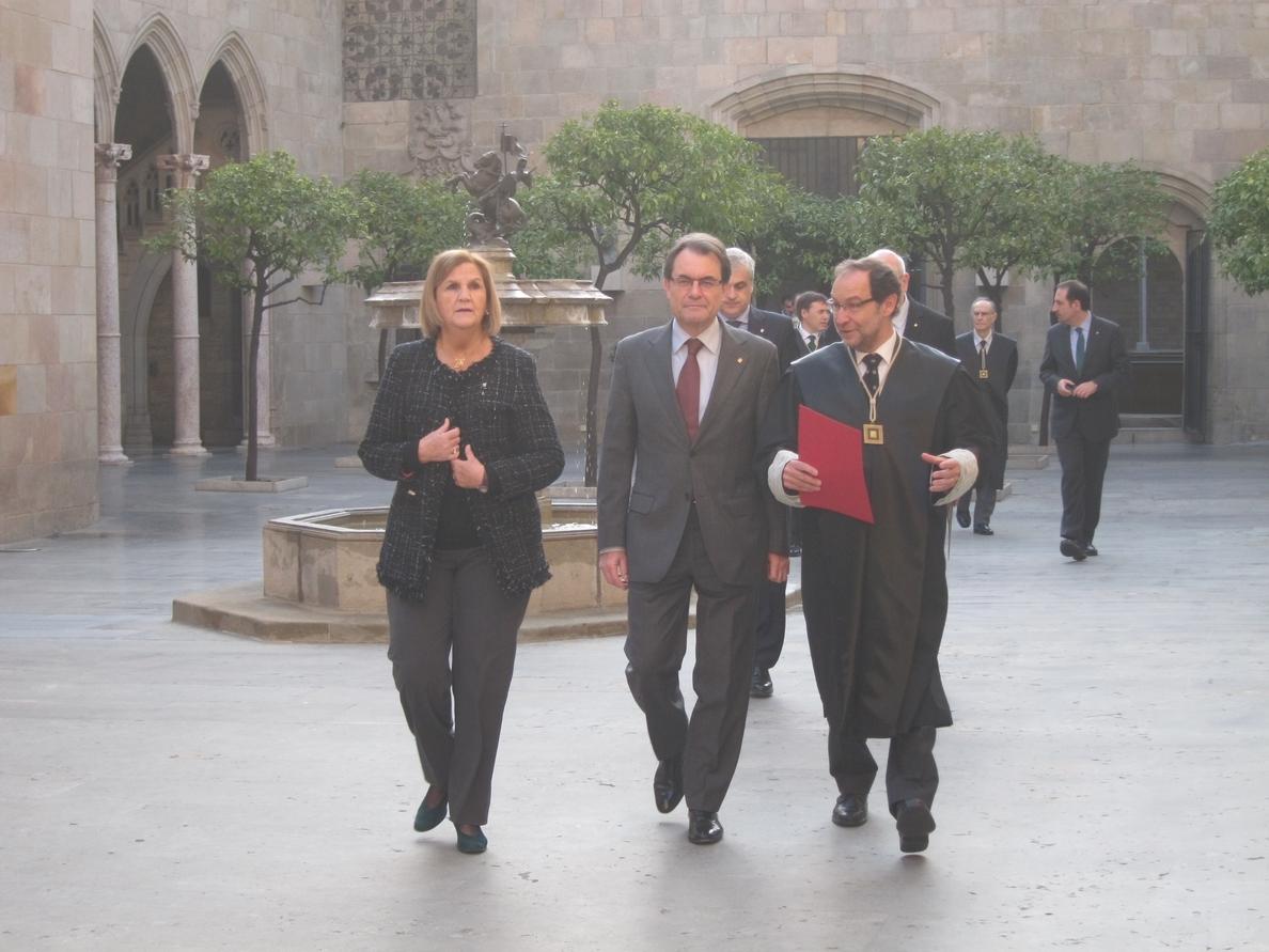 Artur Mas pide a la Comisión Jurídica del Govern que le ayude a encajar en la ley la consulta soberanista