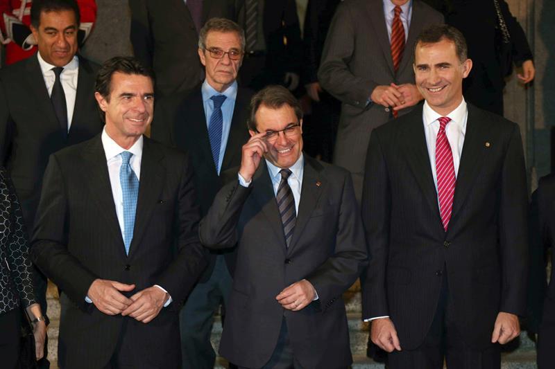 Los asesores de Mas quieren que el Rey sea el jefe del Estado catalán