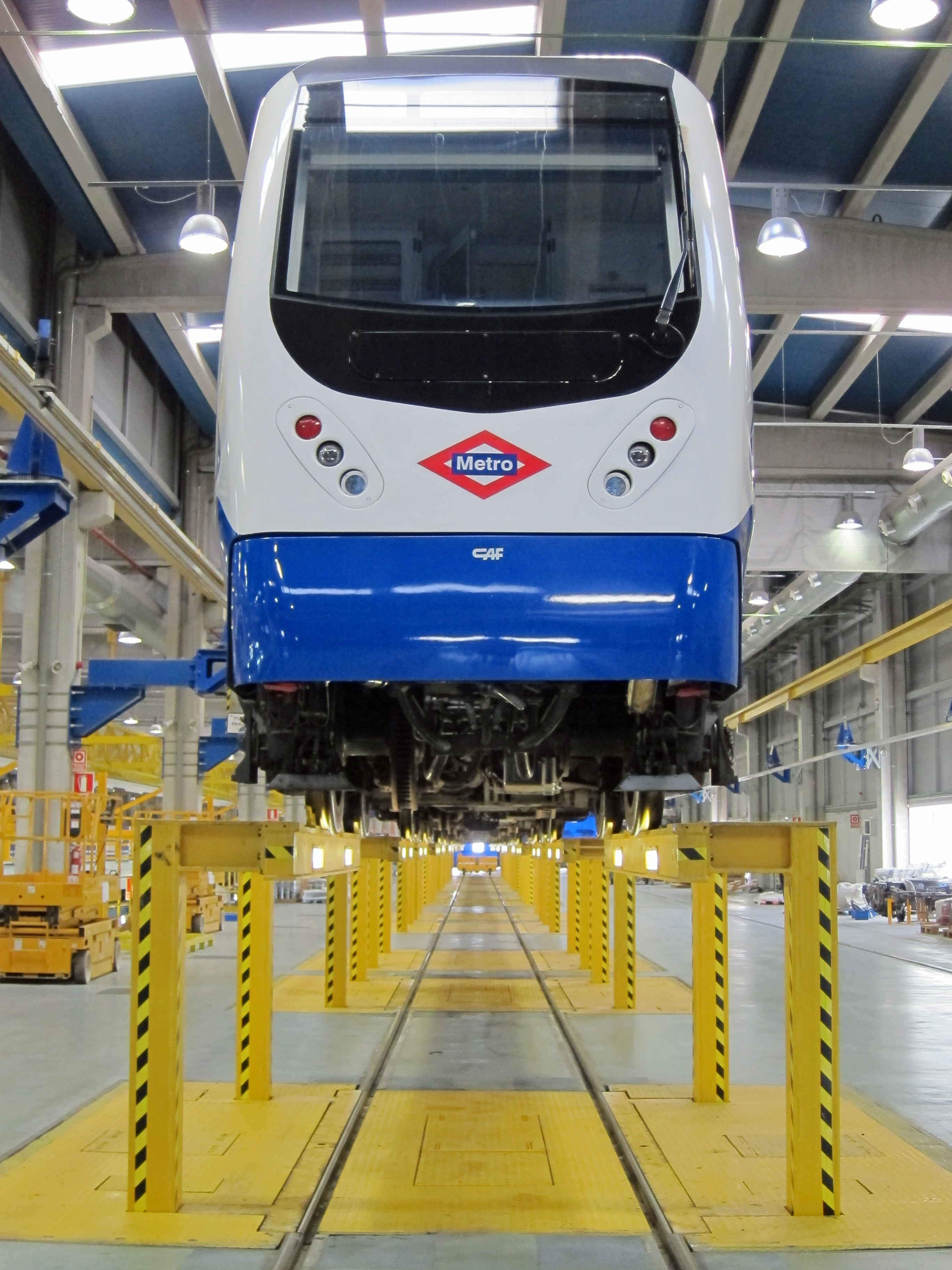 Una incidencia en un tren interrumpe el servicio en el norte de la Línea 10 de Metro durante al menos cuatro horas