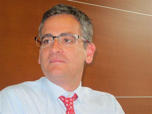 Basagoiti destaca la necesidad de un PP «unido» en el que todos «remen en la misma dirección que la trainera» de Quiroga