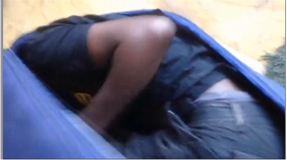 Hallan en Ceuta a un inmigrante escondido en el salpicadero de un vehículo