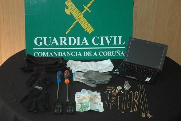Detenidos en A Coruña los tres integrantes de una banda dedicada al asalto de domicilios
