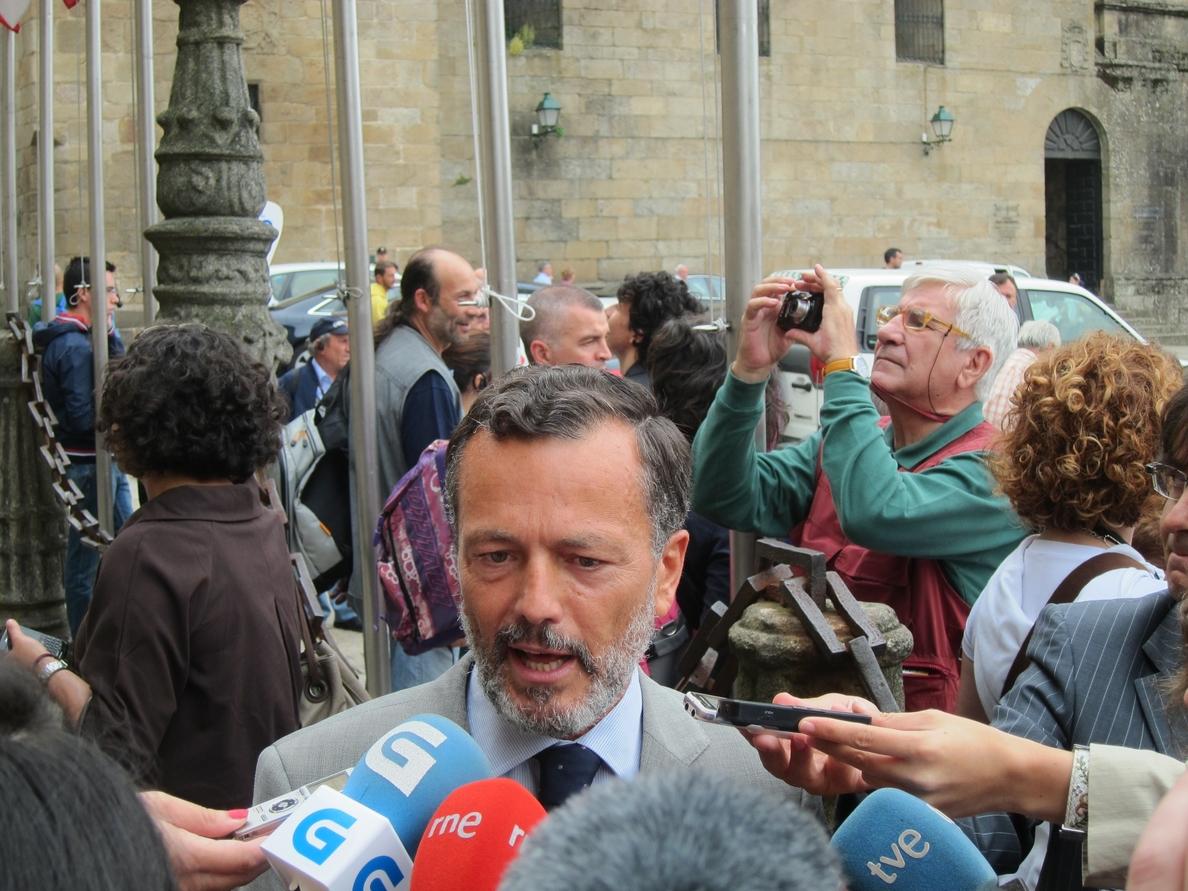 Agustín Hernández afirma que «no entra» en sus «previsiones» ser candidato del PP en Santiago