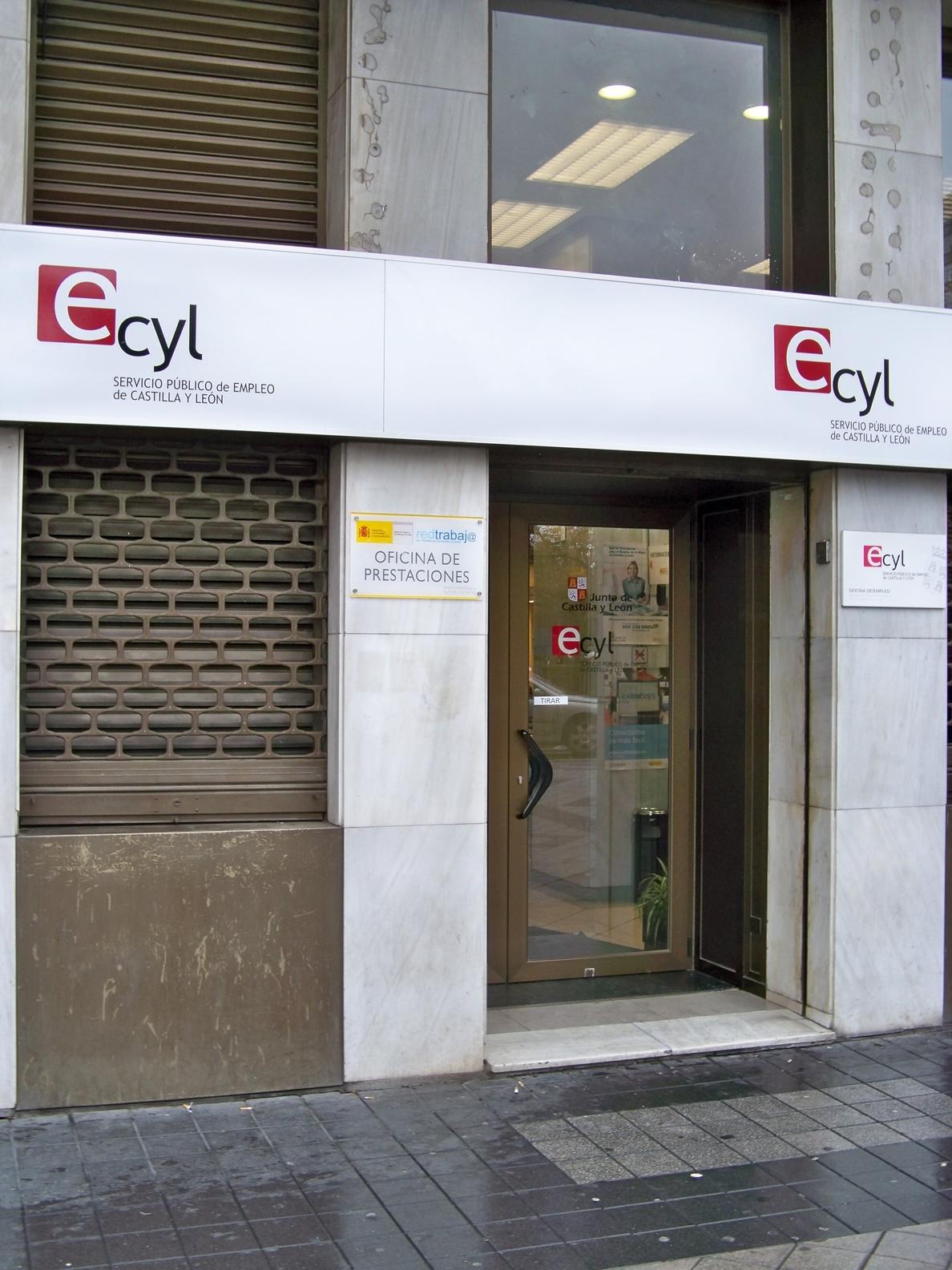 Castilla y León registró 300.879 demandantes de empleo en febrero, un 0,06 por ciento menos que en enero