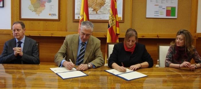 El Gobierno aragonés y el Colegio de Trabajadores Sociales colaboran en la gestión de las emergencias