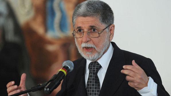 El ministro de defensa dice que Brasil no es blanco terrorista de cara al Mundial
